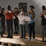感動のメロディが響きだす・・・挫折したバイオリニストと、初めて音楽に触れる子どもたちが織りなす珠玉の感動作『オーケストラ・クラス』予告編解禁