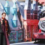 """「ホウキに乗りたい」と魔法への憧れを語った堀田茜、""""人生初魔法""""をかけてみると「思ったより猛吹雪になっちゃって・・・」―「ハリー・ポッター 魔法ワールドのクリスマス」オープニングイベント"""