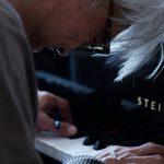 """坂本龍一が""""全てさらけ出した""""―世界的音楽家・坂本龍一を追ったドキュメンタリー映画が11月公開決定"""
