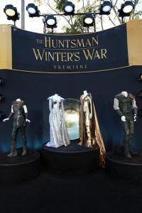 『スノーホワイト/氷の王国』LAプレミア (8) 衣装展示