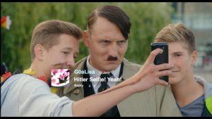 『帰ってきたヒトラー』ヒトラーと自撮り