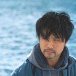 2枚で1人のTAKAHIROになるビジュアル&若手俳優たちが躍動する姿を捉えた場面写真―『僕に、会いたかった』〈ビジュアル&場面写真〉解禁