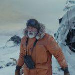 """ジョージ・クルーニーが""""極寒の地""""で緊迫感溢れる氷上サバイバル!―Netflix映画『ミッドナイト・スカイ』〈本編映像〉解禁"""