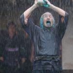 田中泯演じる北斎が雨の中で舞う!アドリブから生まれた北斎ブルー「ベロ藍」誕生シーン―『HOKUSAI』〈本編映像〉解禁