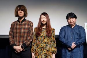 左から、GLIM SPANKY(亀本寛貴、松尾レミ)、福山功起監督
