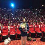 """1000人超えの劇場が満席!三浦春馬からは「一人一人が確かに心に持っている""""小さな愛""""が溢れている映画」とメッセージ―『アイネクライネナハトムジーク』第22回上海国際映画祭Q&Aに今泉力哉監督が登壇"""