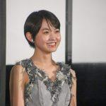 伊藤万理華、憧れの映画祭の場に「こんなに早く立ててうれしい」と笑顔―[第33回東京国際映画祭]『サマーフィルムにのって』舞台挨拶