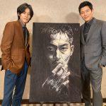 『孤狼の血 LEVEL2』鈴木亮平による<「日岡秀一」肖像画ポストカード>が入場者特典に決定