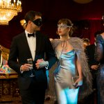 ディオール、ヴァレンティノの超豪華なドレス、官能的な世界を美しく彩る洗練された衣装の数々―『フィフティ・シェイズ・ダーカー』劇中衣装に注目