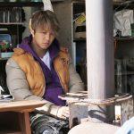 髪を明るく染め、無表情でたたずむTAKAHIRO・・・―『ウタモノガタリ-CINEMA FIGHTERS project-』新場面写真解禁