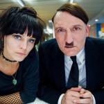 """あのヒトラーが""""モノマネ芸人""""として現代に甦った!?「帰ってきたヒトラー」予告編解禁!"""